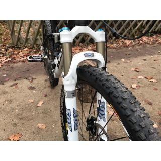 Fully Focus Super Bud in L wenig gelaufen MTB Mountainbike Fox preview image