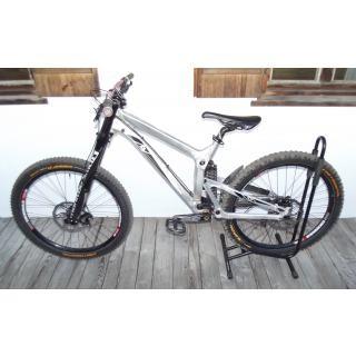 Propain Rage, Downhill-Bike, mit 7 Reifen und 6 Schläuchen ! ! ! preview image