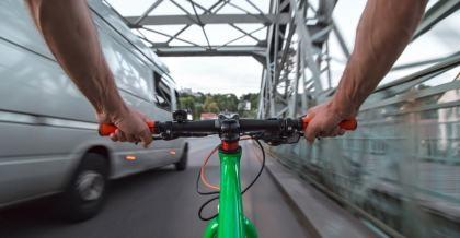 Abstand beim Überholen Rad