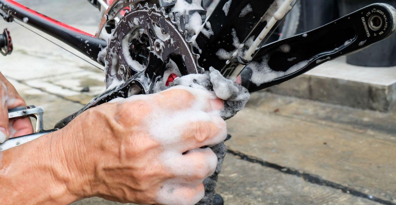 Kein Knirschen mehr! So schützt du dein Fahrrad vor Wind und Wetter