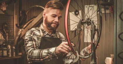 Hilfe zur Selbsthilfe in Fahrradwerkstätten